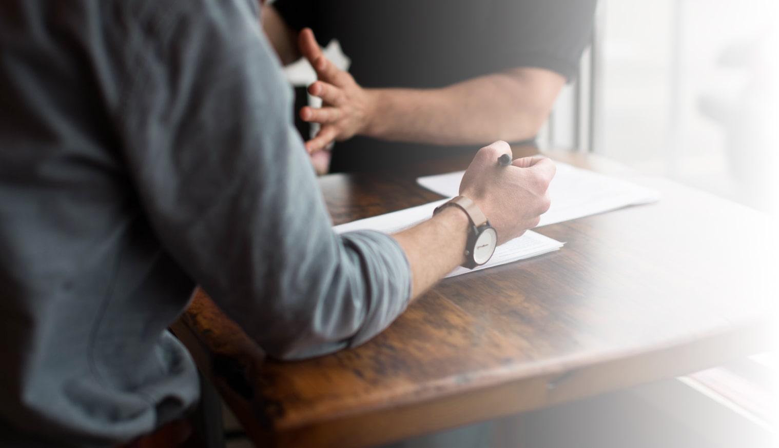 En quête permanente de la qualitéBien qu'ayant une relation régie par un cadre contractuel, nous percevons toujours un client comme un partenaire auprès de qui nous nous engageons à apporter du conseil, de l'assistance et un accompagnement de qualité pendant toute la durée de notre relation. Tous les utilisateurs sont satisfaits d'utiliser une solution simple, riche et adaptée à leurs besoins. Cela sera également le cas pour vos utilisateurs.